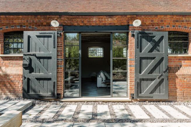 Noble Barn, nr Henley-on-Thames Berkshire (36).jpg