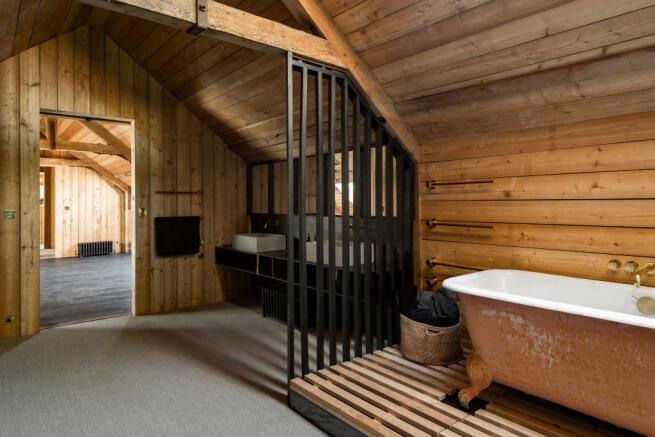 Noble Barn, nr Henley-on-Thames Berkshire (43).jpg