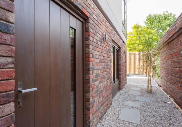 Paddock House, Grove Park, London SE5 (19).jpg