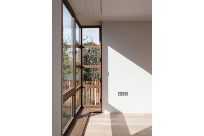 Paddock House, Grove Park, London SE5 (14).jpg