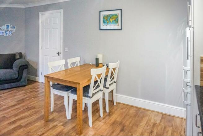 Lounge / Kitchen