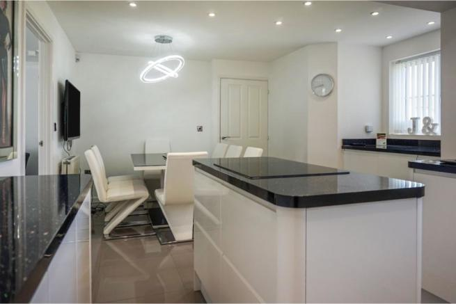 4 Bedroom Semi Detached House For Sale In Highfield Road
