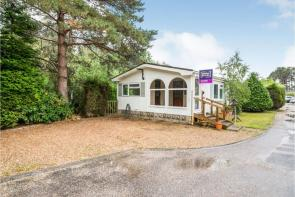 Photo of Pinelands Mobile Home Park, Reading, RG7