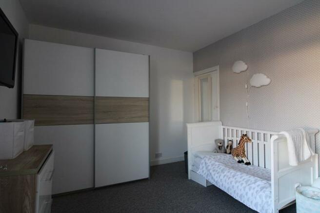 125 Penhale - Bedroom.jpg