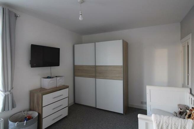 125 Penhale - Bedroom 1.2.jpg