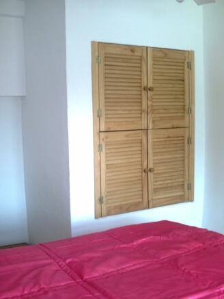 Wardrobe bed 2