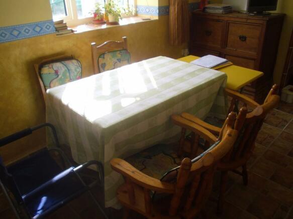 Lounge -Dining