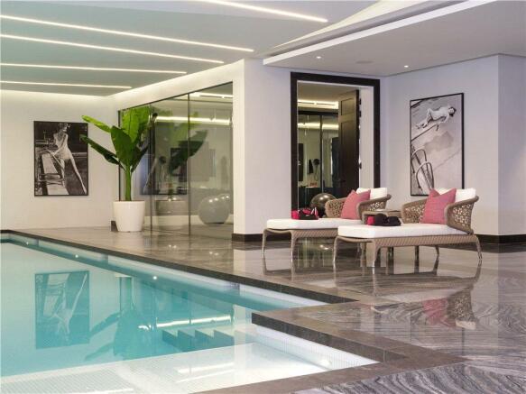 Swimming Pool N2