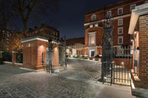 Photo of Academy Gardens, Duchess of Bedford's Walk, London, W8
