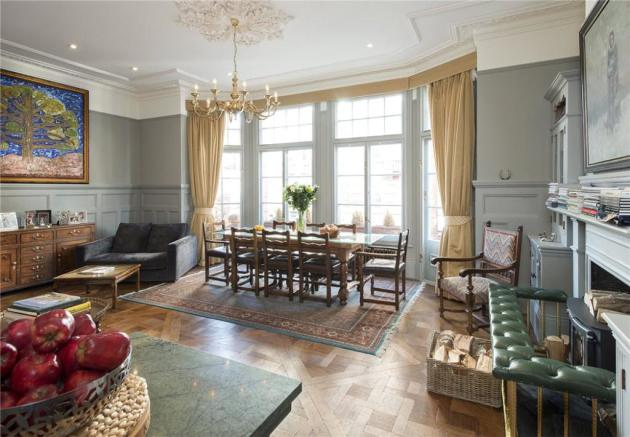 Mayfair: Living Area