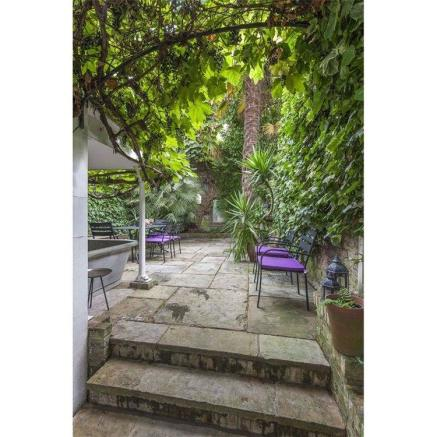 Garden, W11