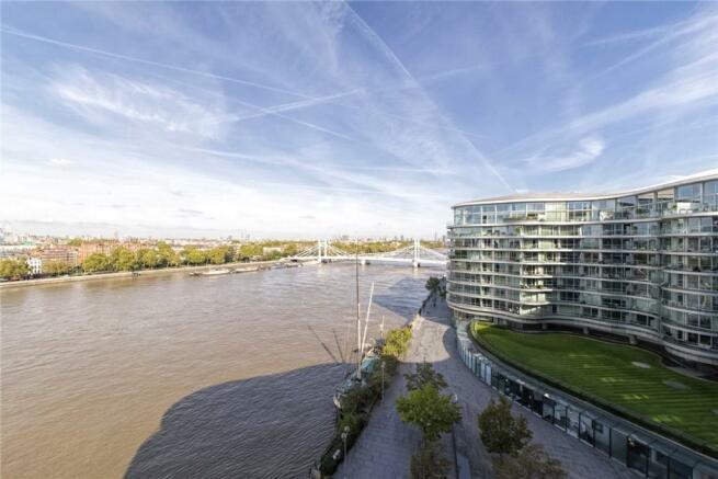 River Thames Flat
