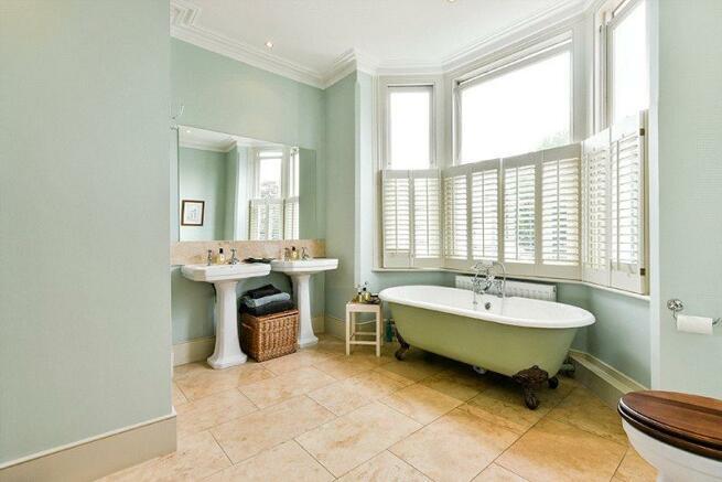 Sw12: Bathroom