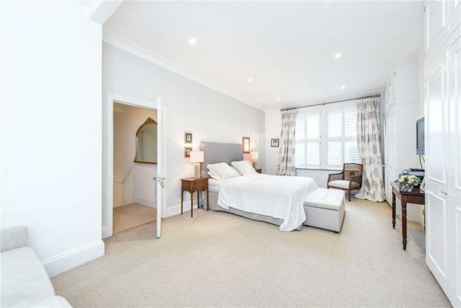 Sw18: Bedroom