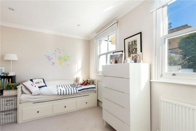 Sw11:Bedroom