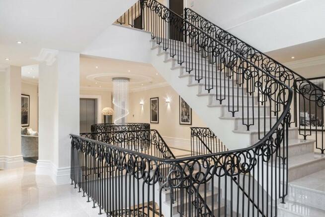 Windlesham: Stairs