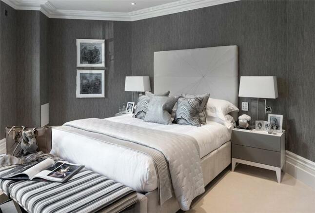Windlesham: Bedroom