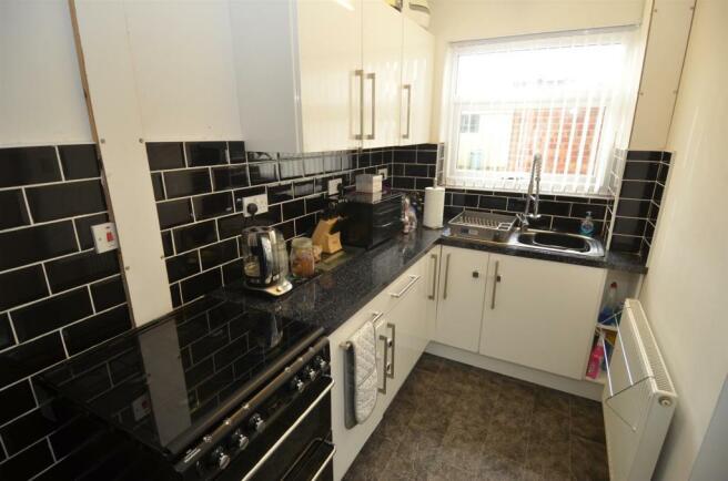 55 Bucklands End Lane - Kitchen.JPG