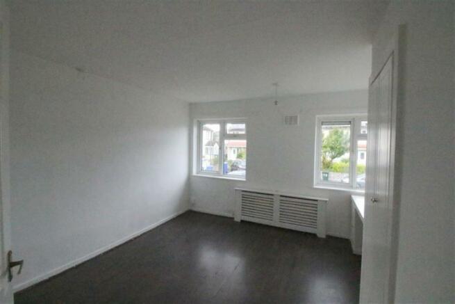 Bedroom no.2 front double: