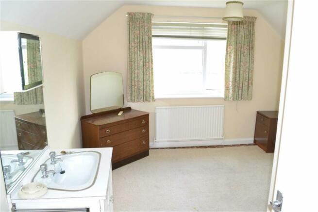 Side Bedroom 1