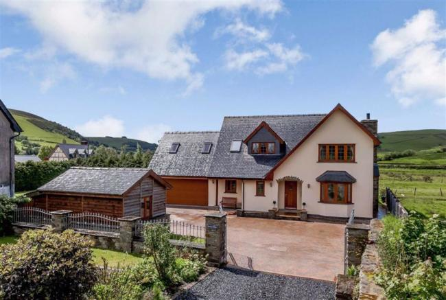 5 bedroom detached house for sale in Swn Yr Afon, Llangurig