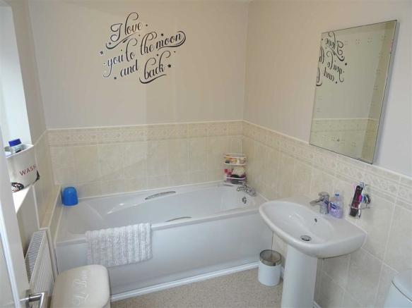 Main Bathroom: