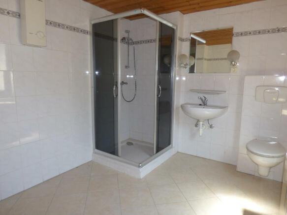 Shower room gr. fl.