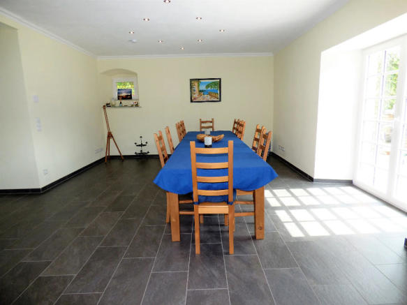 Living-dining area