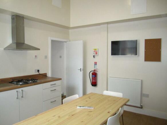 Communal Kitchen/Din