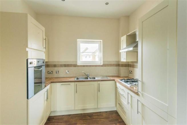 BEAUTIFUL FITTED KITCHEN