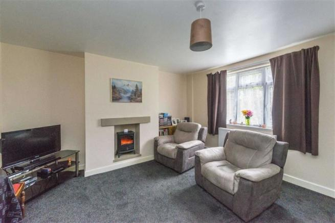 WELL PROPORTIONED LOUNGE