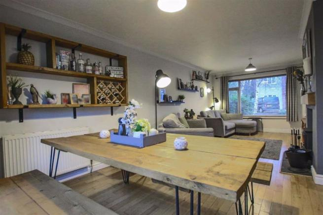 3 Bedroom Semi-detached House For Sale In The Hawthorns