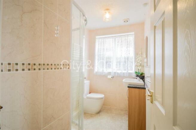 Shower Room (1).jpg