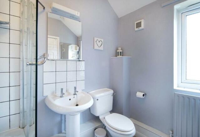 Bathroom E14