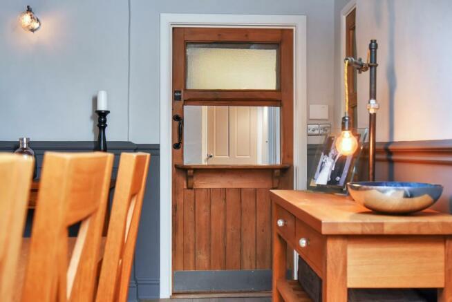 ORIGINAL SERVING HATCH DOOR
