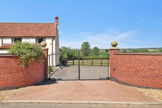 GATED FRONT