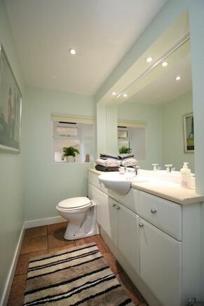 studio flat to rent in howard place edinburgh eh3 eh3. Black Bedroom Furniture Sets. Home Design Ideas