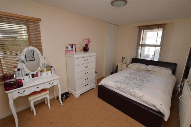 L.G Bedroom