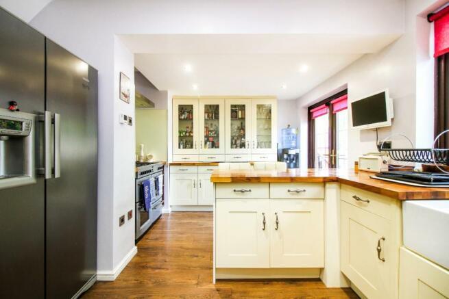 ,kitchen 3.jpg