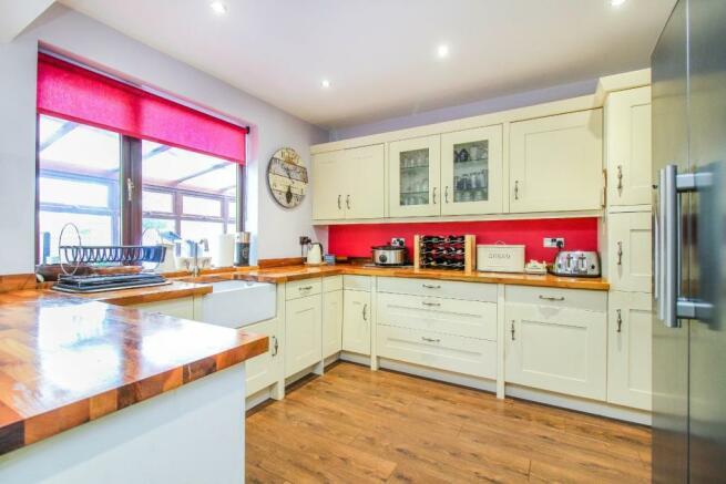 ,kitchen 2.jpg