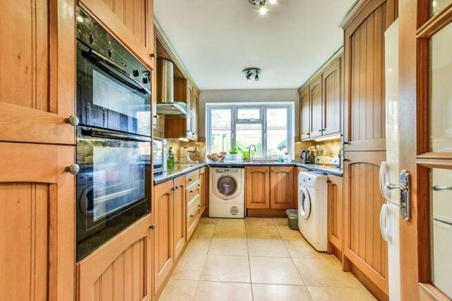 2 Bedroom Flat To Rent In Marsland Road Sale M33 M33