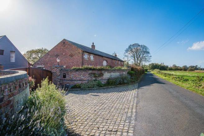 5 bedroom barn conversion for sale in Plex Moss Lane, Halsall, L39