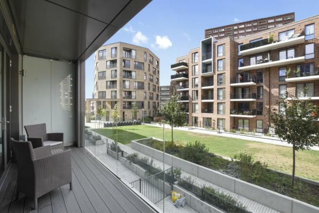 Flat 3 120 Kilburn Pk Rd - Balcony -Original.jpg
