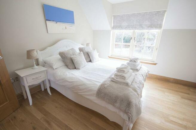 bedroom 1(2)