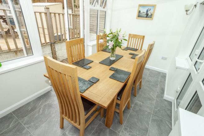 Dining Room/Conserva
