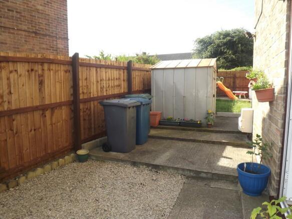 Rear side garden