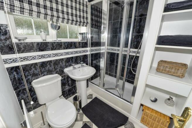 En suite Bedroom Two