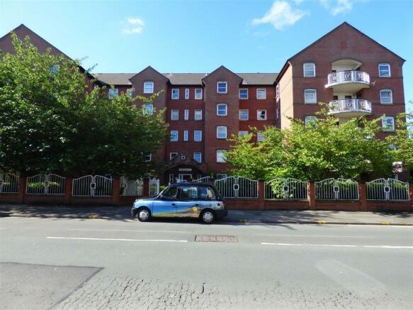 Melrose Apartments: