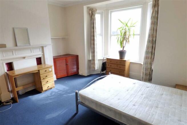 Lounge/ Bedroom Five: