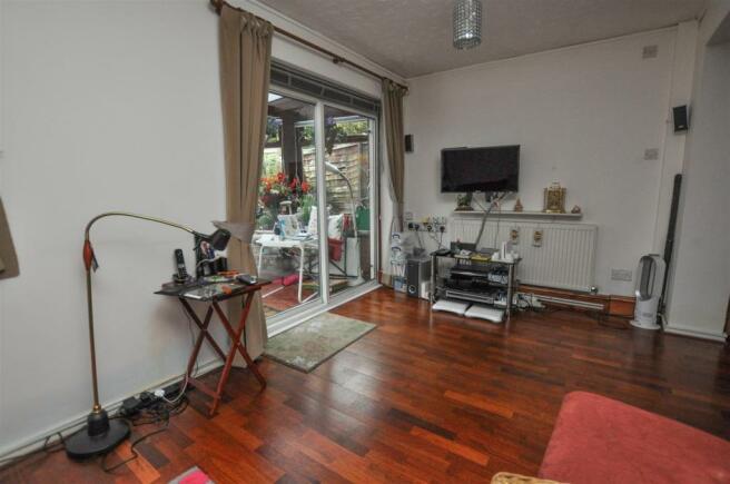 lounge (2)_edited.jpg